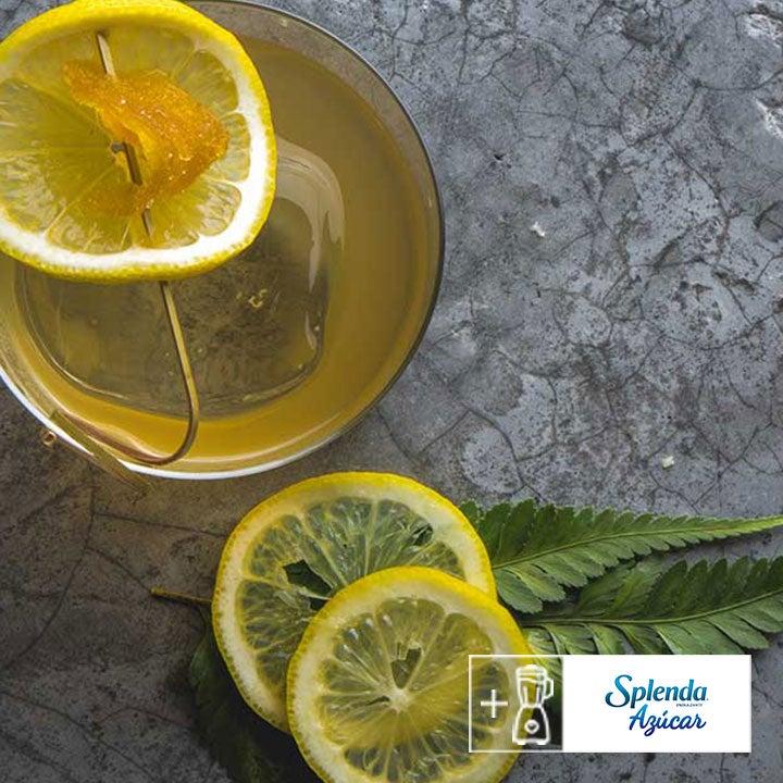 Agua de coco con limón