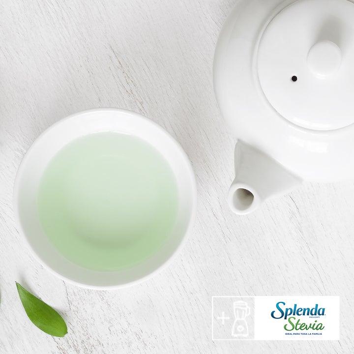 Saludable té verde con menta