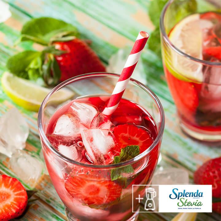 Rica agua de fresa